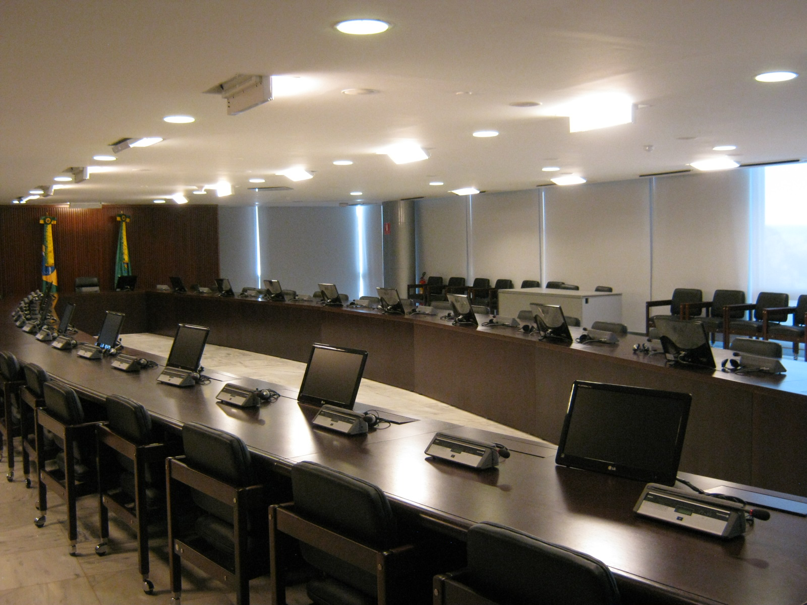 4 reasons your meeting room setup should look more for Professional room designer