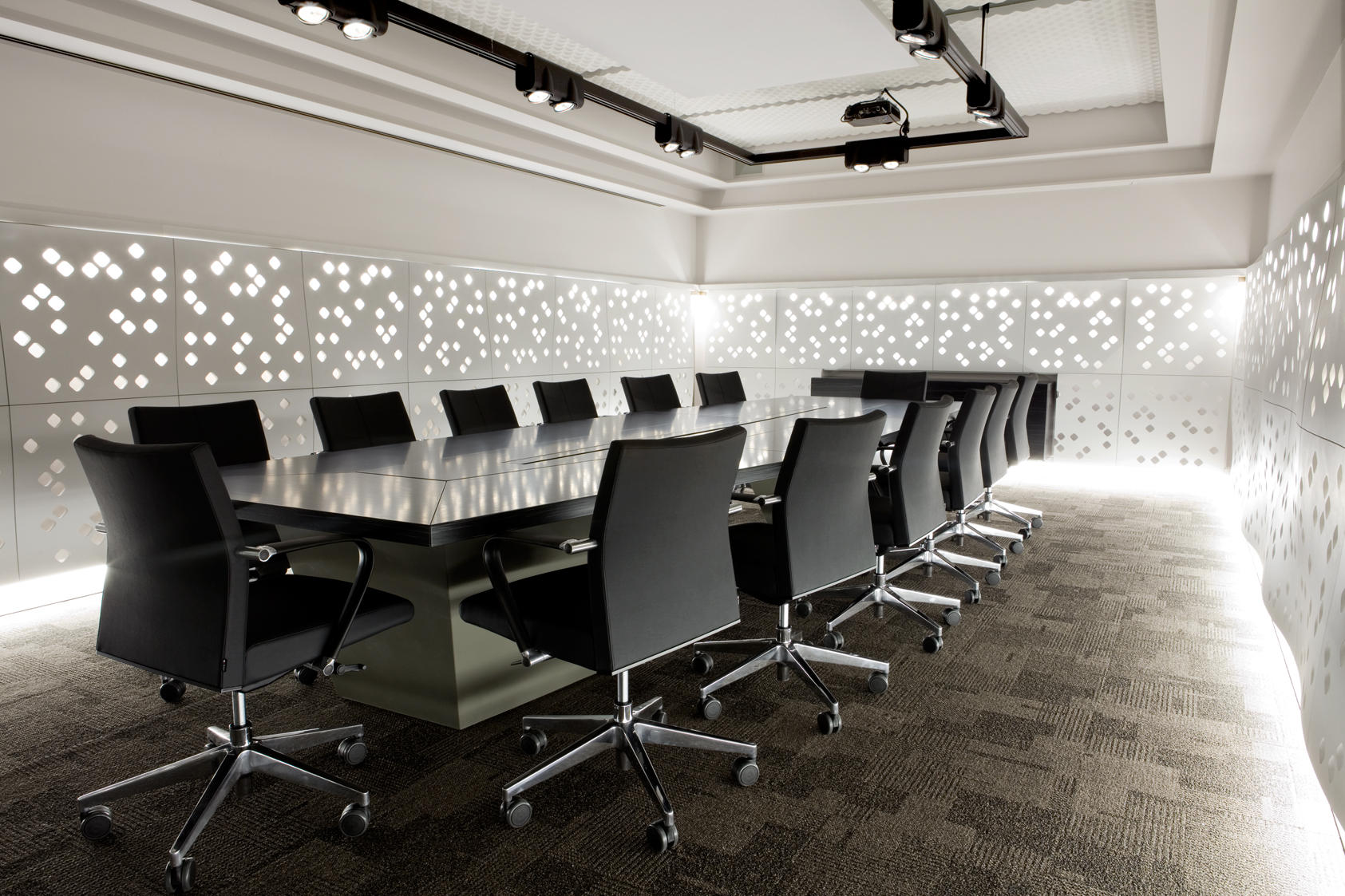 Conference room decor an introduction for Room decoration design